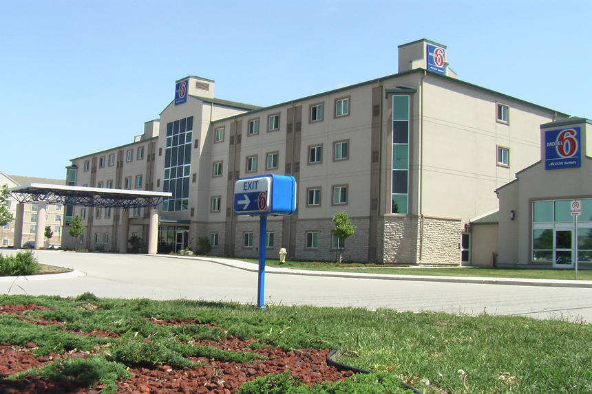 Commercial Project Photo - Motel 6 Accor Hotels in London Ontario near Wellington & 401
