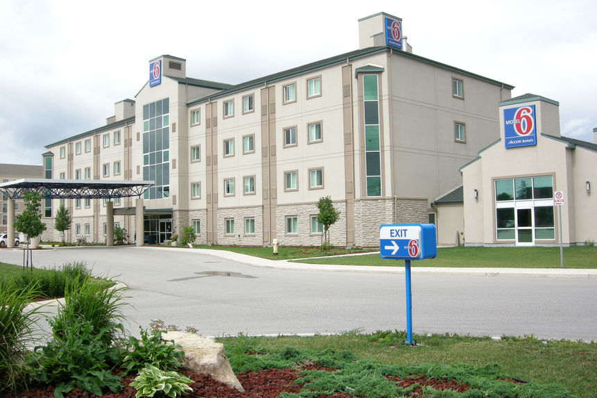Mechanical Plumbing Project in London Ontario - Motel 6